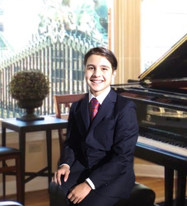 Alex Vivero, joven pianista con obras de Bach, Chopin y Beethoven en próximos conciertos en Guadalajara
