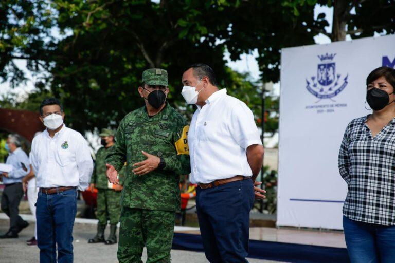 """Ejército Mexicano se suma a la jornada extraordinaria de limpieza """"Mérida Más Chula"""""""