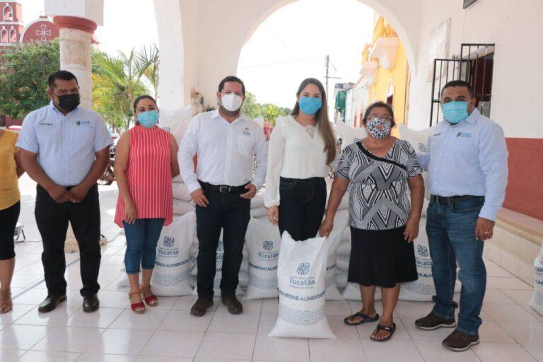Con maíz para consumo, familias yucatecas siguen recibiendo el apoyo del Gobernador Mauricio Vila Dosal